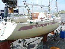 1982 Beneteau First 28