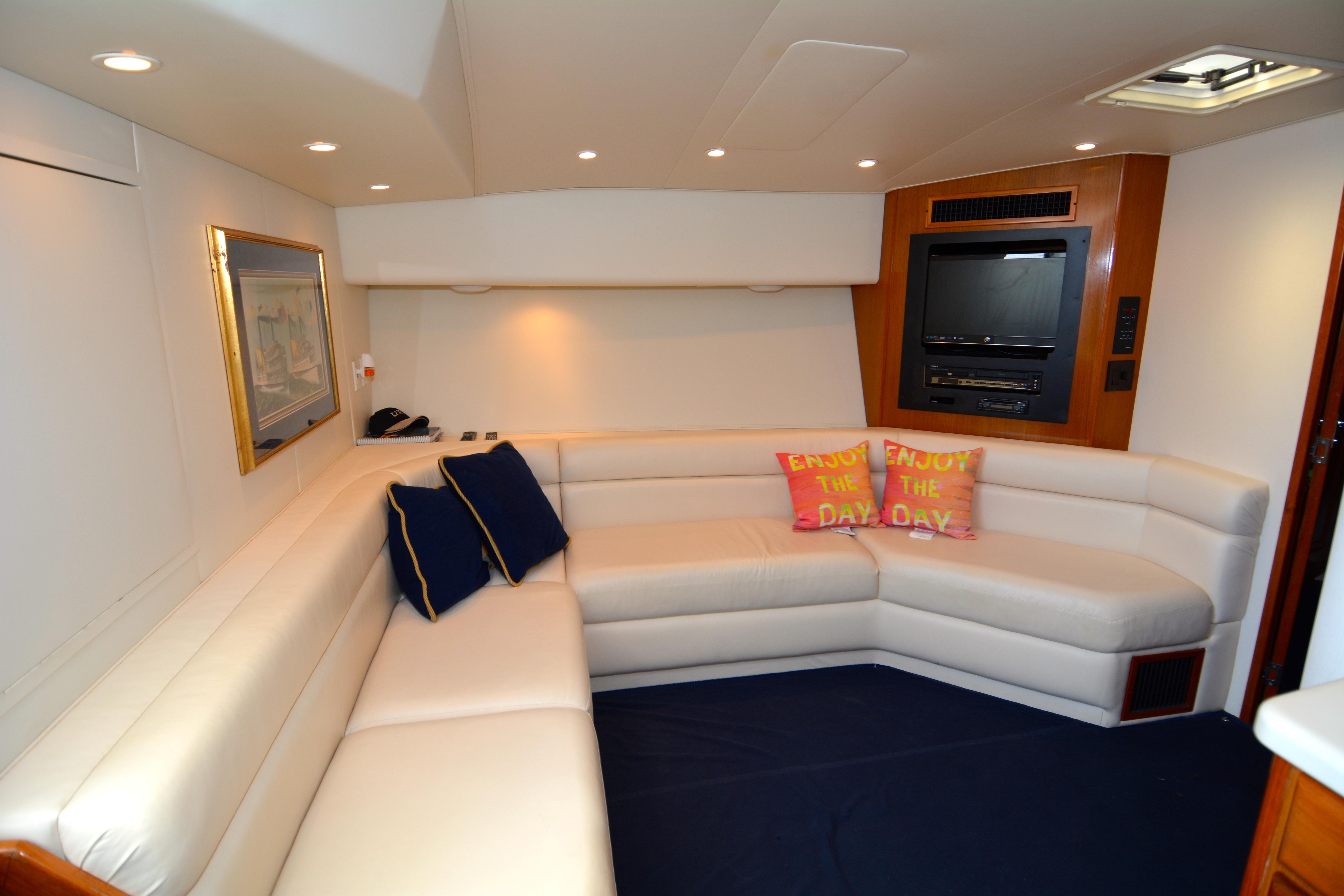 photo of  43' Viking Yachts 43 Open