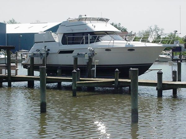 1999 carver 356 aft cabin
