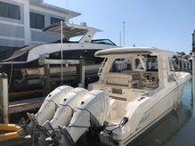 2019 Boston Whaler 350 Realm