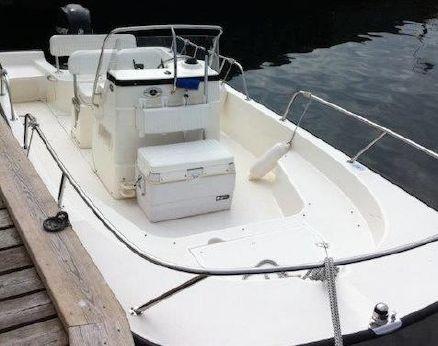 2006 Boston Whaler 190 Montauk