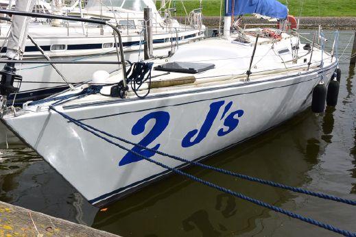 1983 J Boats 35