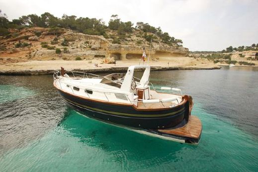 2009 Menorquin Yacht 100 Open
