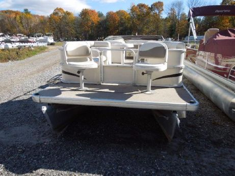 2004 Sweetwater 24RE Bow Fish
