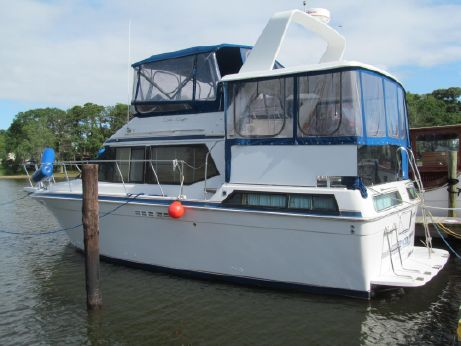 1990 Chris-Craft 372 Catalina