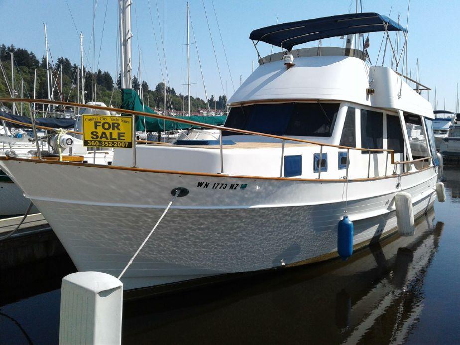 1981 chb 37 trawler sedan