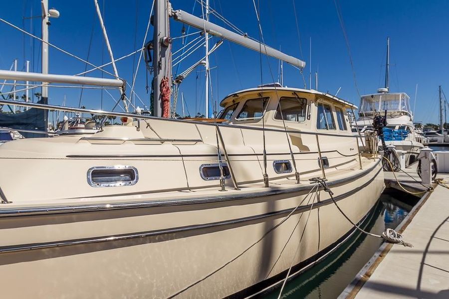 2008 Island Packet 41 SP Cruiser for sale in Long Beach