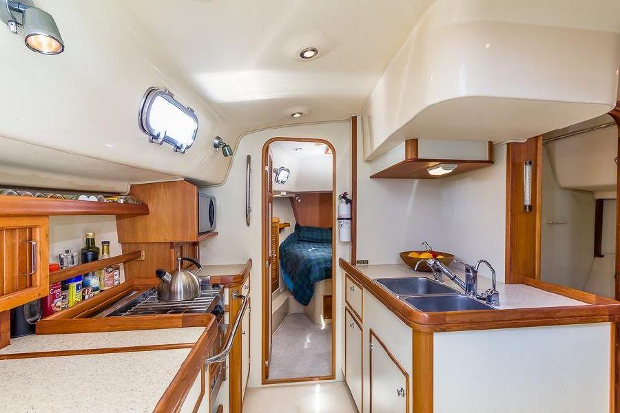 2008 Island Packet Sailboat 41 SP Cruiser Interior