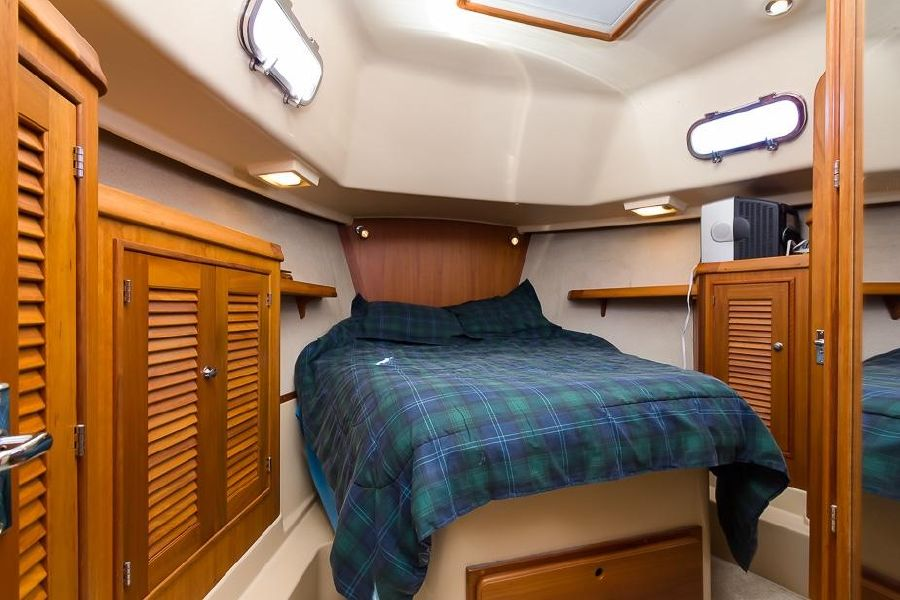 2008 Island Packet 41 SP Cruiser Master Cabin