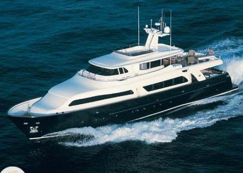 2007 Custom Line Ferretti Navetta 30