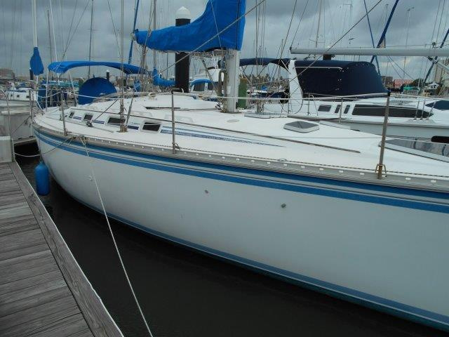 1986 Hunter 40 Legend Sail Boat For Sale - www.yachtworld.com