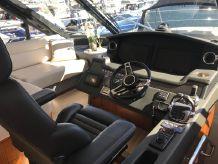 2017 Riviera 5400 Sport Yacht