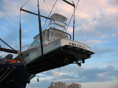 2004 Cabo 40 Express