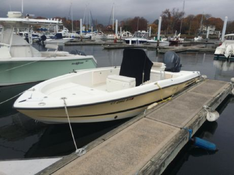 2005 Hydra-Sports 23 Bay Bolt