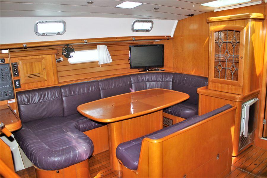 Beneteau 50 Sailboat Salon Dinette