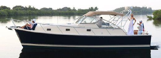 2004 Mainship Pilot 34 Rumrunner II