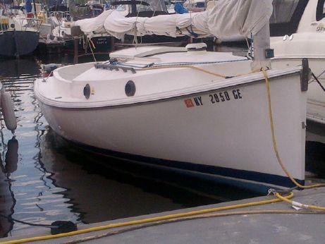 1994 Noa Marine / Dan Avoures Ocean Cat 18 (18' Catboat)
