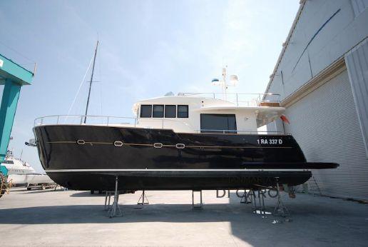 2007 Cantieri Estensi Maine 530
