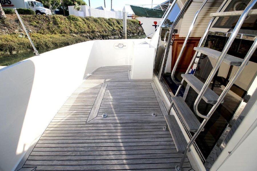 Mckinna 57 Pilothouse Yacht Cockpit