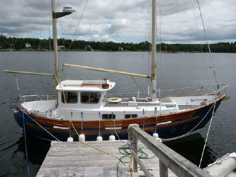 1976 Fisher 30 Pilothouse