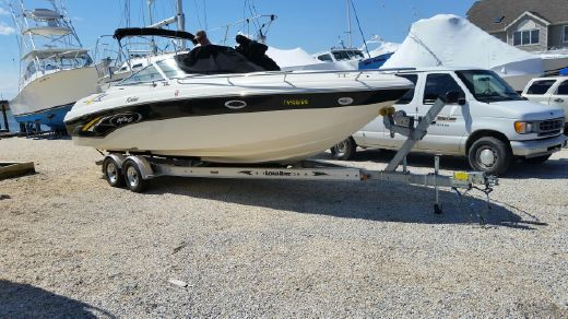2001 Rinker 272 Captiva Cuddy