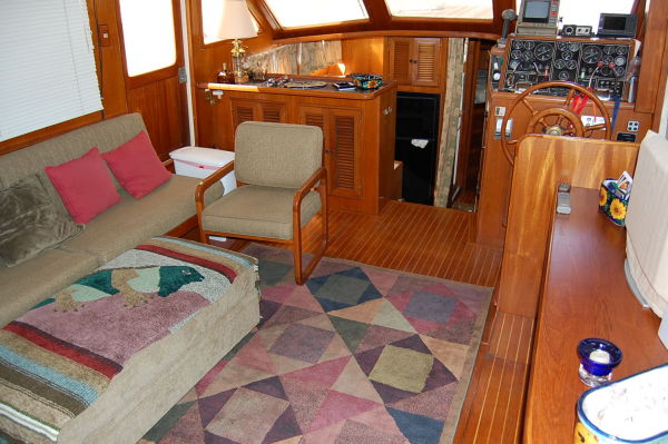 48' Offshore Yacht Fisher+Pilot station