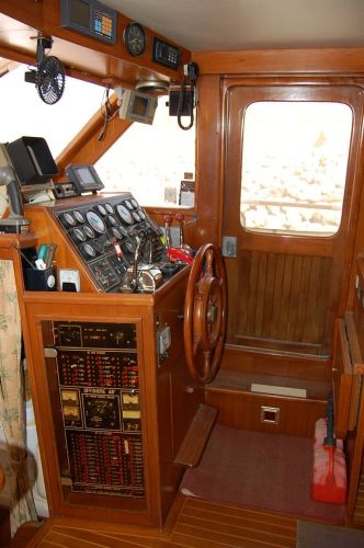 48' Offshore Yacht Fisher+Cabinets