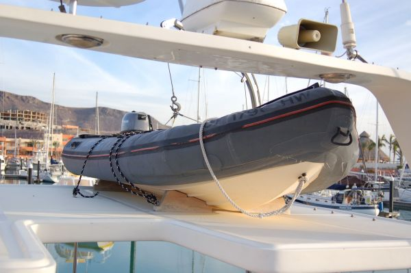 48' Offshore Yacht Fisher+Layout