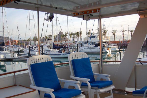 48' Offshore Yacht Fisher+Aft berth door