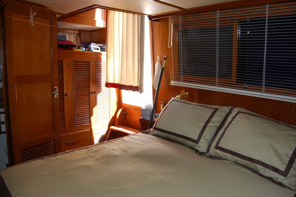 48' Offshore Yacht Fisher+Looking aft