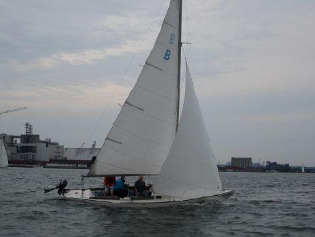 1981 Bluenose 23