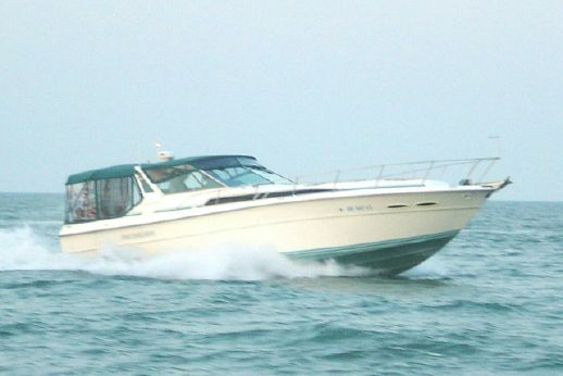 1989 Sea Ray 390 Express - FRESHWATER ONLY
