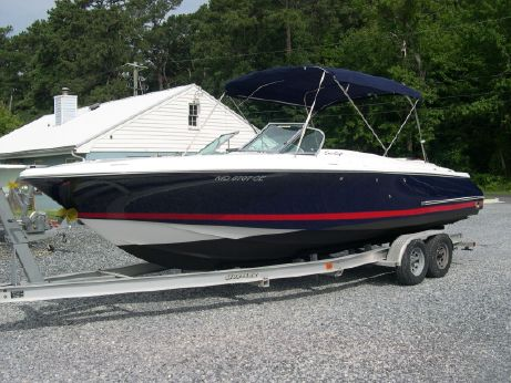 2003 Chris Craft 25 Launch