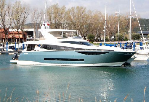 2015 Prestige Yachts Prestige 750