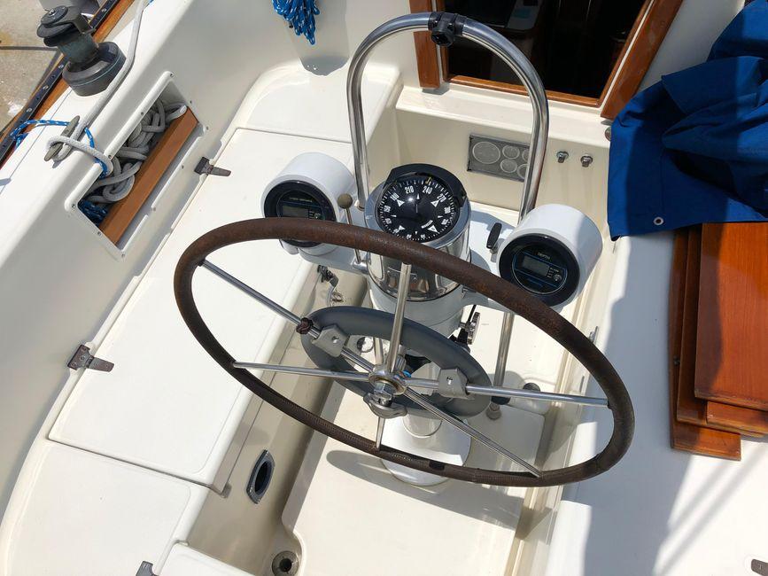 Pacific Seacraft 34 Cockpit Helm