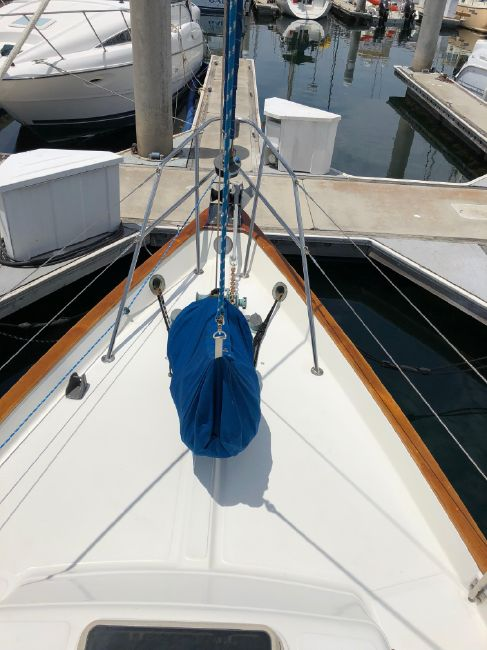 Pacific Seacraft 34 Bow