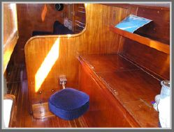 photo of  43' Gulfstar Mk II Center Cockpit 43