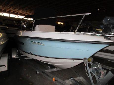 2007 Seaswirl Striper 1851 Center Console O/B