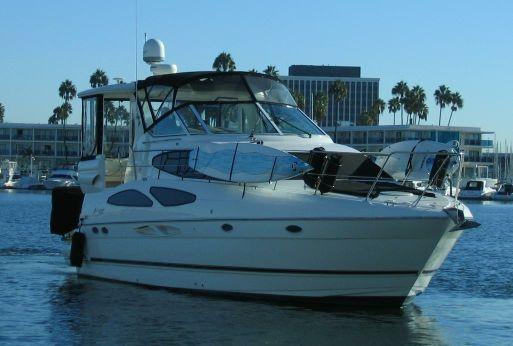 2004 Cruisers Inc 405  Motor Yacht