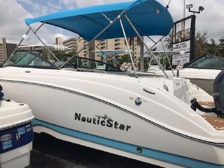 2018 Nautic Star 243 DC