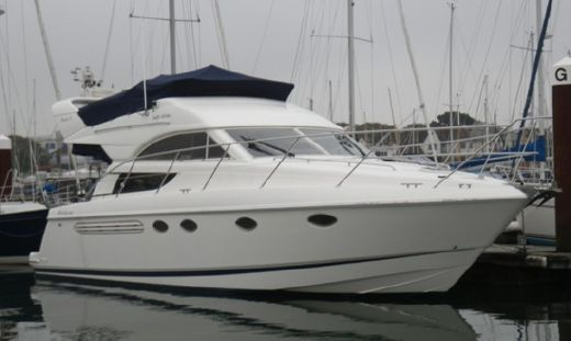 2002 Fairline Phantom 38