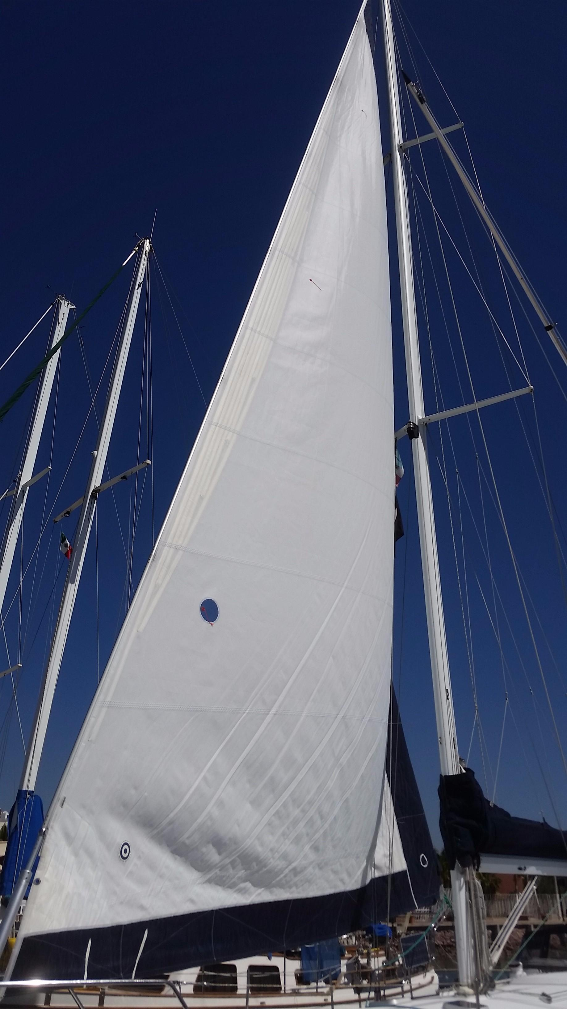 42' Catalina MKI 42-3+Photo 7