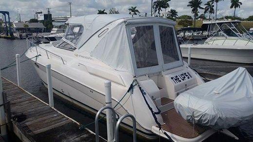 2004 Regal 3260 Commodore