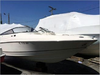 2004 Regal 2400 Bowrider