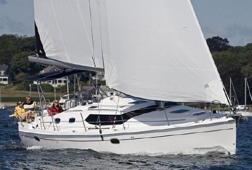 2015 Marlow-Hunter 45 Deck Salon