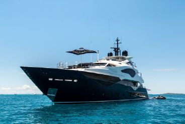 thumbnail photo 0: 2016 Sunseeker 131 Yacht
