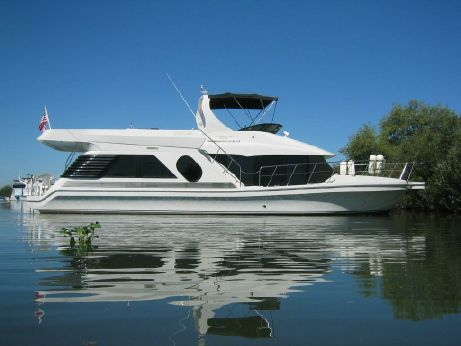 2001 Bluewater Yachts 5200