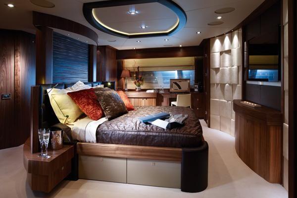 30M Sunseeker Yacht