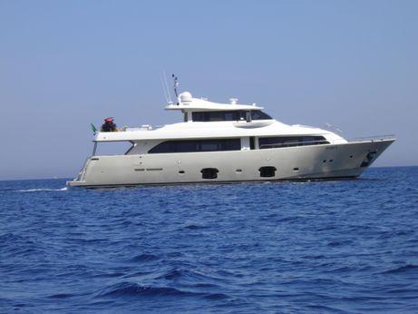 2009 Ferretti Yachts Custom Line Navetta 26
