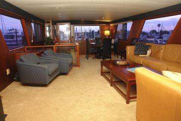 thumbnail photo 0: 1985 Hatteras 72 Motor Yacht